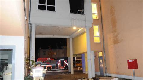 3 Zimmer Wohnung Mit Garten In Berlin Reinickendorf by Seniorin 68 Stirbt Bei Zimmer Brand In Wohnheim B Z