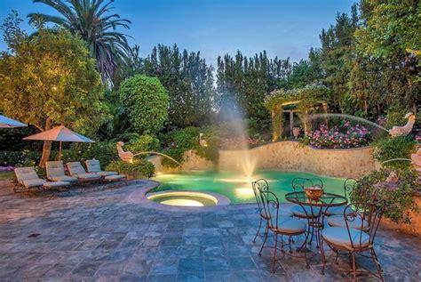 beautiful beverly hills backyards