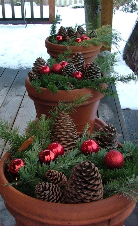 40 Comfy Rustic Outdoor Christmas Décor Ideas Digsdigs