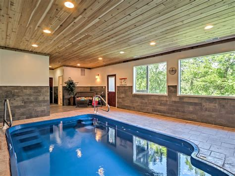 Br Pigeon Forge Cabin W/indoor Pool!-vrbo