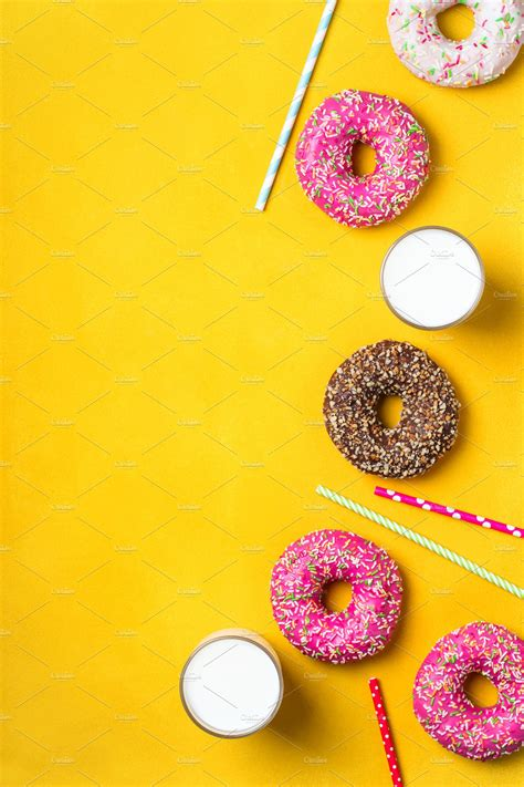 yellow dessert background   donuts high