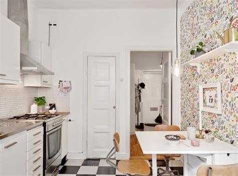 tapisserie de cuisine tapisserie dans la cuisine a faire ou à oublier