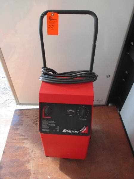 snap on fast 420 battery charger on wheels bc4200