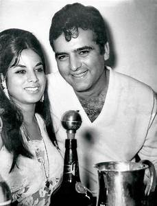 Friday Flashback! When a Much Married Feroz Khan Lost His ...