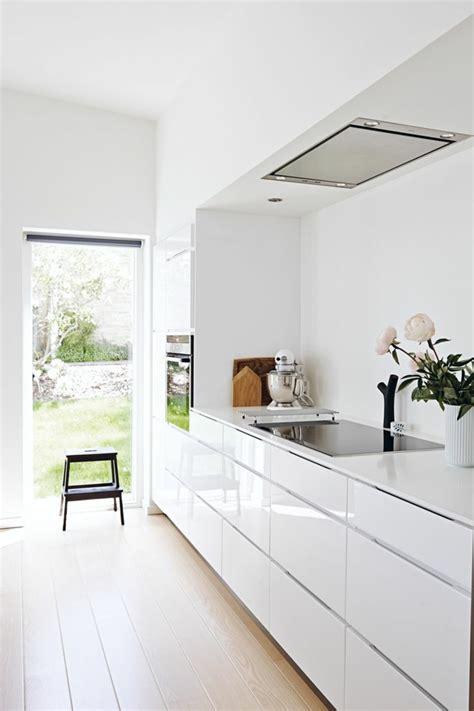 ikea meuble cuisine four encastrable la cuisine laquée une survivance ou un hit moderne