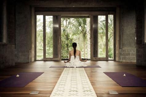 meditation room 33 minimalist meditation room design ideas digsdigs