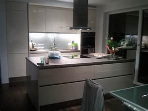 Schöne Küchen Bilder : sehr sch ne u form k chen modelle 2017 die fotos und ~ Michelbontemps.com Haus und Dekorationen