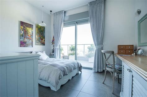 Renovated Israeli Penthouse With Lavish Balcony Space
