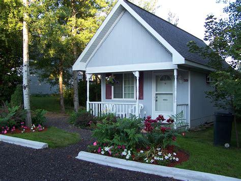 Centennial Cottages Calumet Michigan Hotel Motel Cottage