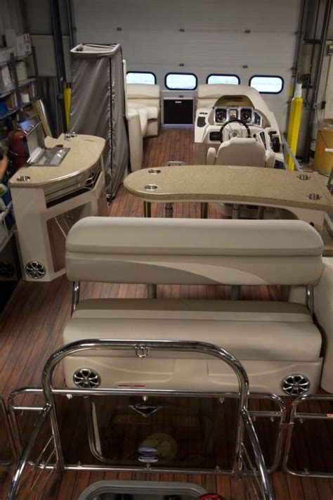 Pontoon Boat Flooring Wood by Manitou Ses Entertainer Pontoon Boat Want That Teak Wood