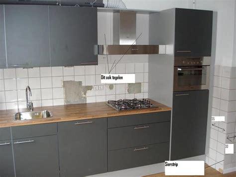 Tegels In Keuken Zetten by Wandtegels In De Keuken Zetten Voegen Werkspot