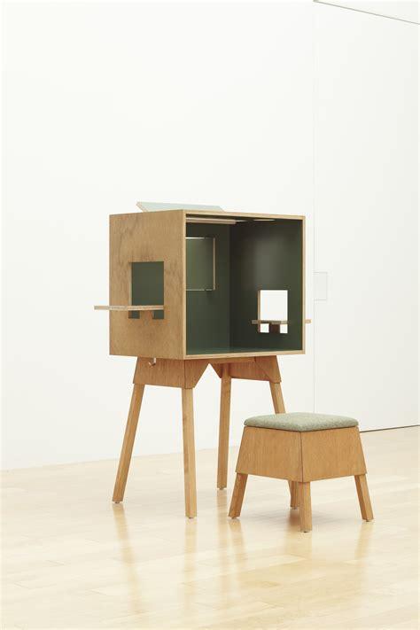 bureau bois foncé bureau koloro l 73 cm vert foncé bois clair ichiro
