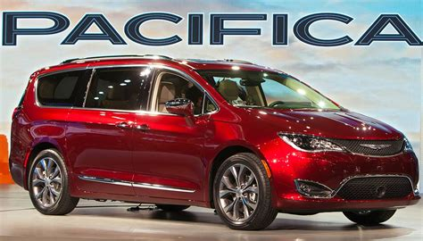 2018 Chrysler Pacifica That Lovely Minivan Carbuzzinfo