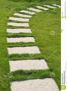 Prix Des Dalles De Jardin : chemin en pierre photo stock image 3774730 ~ Premium-room.com Idées de Décoration