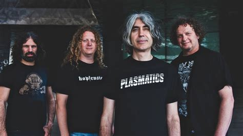 """Voivod Announce Split 7"""" Release With Entombed Ad"""