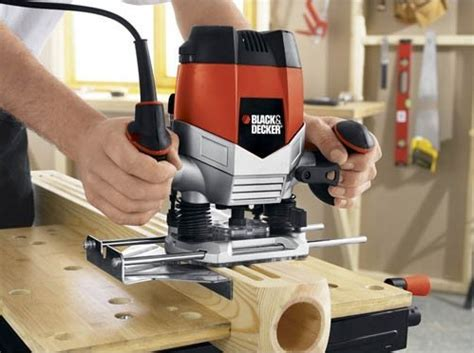 wood routers  fine woodworking  short reviews