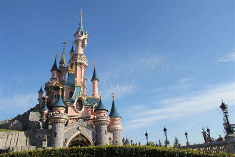 Disneyland Paris A Community Park Dlp Town Square