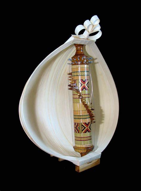 Alat musik gesek merupakan alat musik yang dimainkan dengan cara di gesek. Something Else ?: Alat Musik Tradisional Sasando