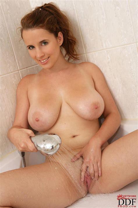 Yuki Kori Having Fun In The Shower