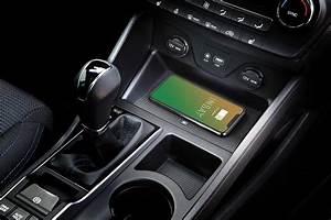 Handyhalterung Auto Wireless Charging : upgrade your hyundai tucson with inductive wireless charging ~ Kayakingforconservation.com Haus und Dekorationen