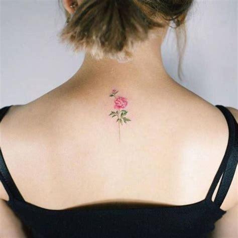 foto de Tatouage pivoine dans la nuque 15 idées de tatouages