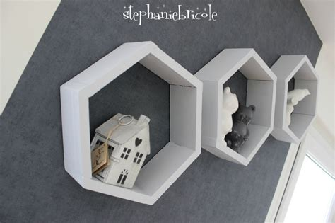 chambre palette bois diy deco bois des étagères hexagonales stéphanie bricole