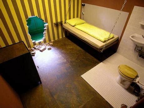 photo chambre d 39 hôtel prison