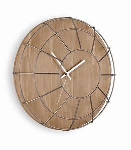 Horloge Murale Bois : horloge murale design en bois et acier cage umbra ~ Teatrodelosmanantiales.com Idées de Décoration