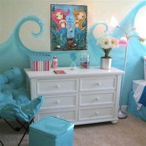 Minimalistische Einrichtung Des Kinderzimmerskleines Kinderzimmer In Orange by Kinderzimmer Gestaltung Grelle Farbt 246 Ne Clever Einsetzen