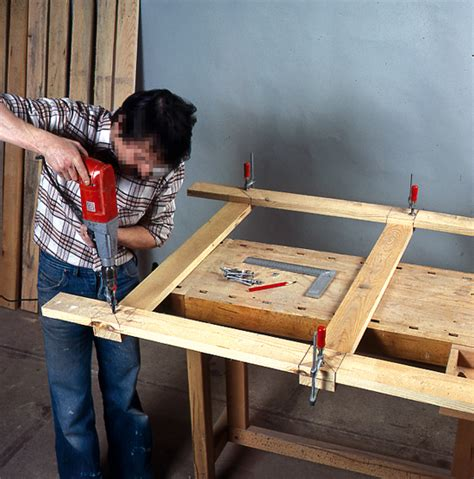 comment faire une porte coulissante comment fabriquer une porte pour la cave bricobistro