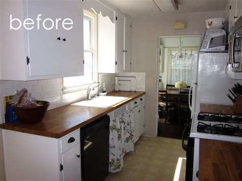 what is the best kitchen flooring before and after linoleum floor makeover kitchen bath 9648