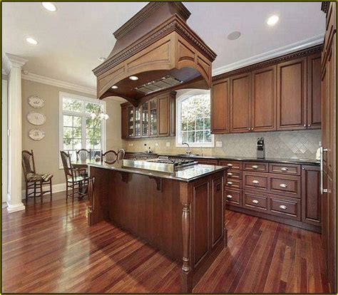 kitchen wall colors with cherry cabinets 25 best ideas about cherry cabinets on cherry 9619