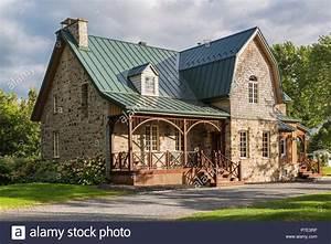 Haus Im Landhausstil : canadiana landhausstil fieldstone haus mit naht blech dach stockfoto bild 211137354 alamy ~ Markanthonyermac.com Haus und Dekorationen