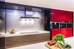 Rote Arbeitsplatte Küche : rote k chen ratgeber haus garten ~ Sanjose-hotels-ca.com Haus und Dekorationen
