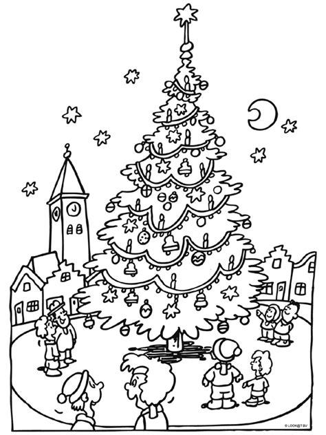 Kerstman En Kerstboom Kleurplaat by Kleurplaat Kerstboom Op Het Marktplein Kleurplaten Nl