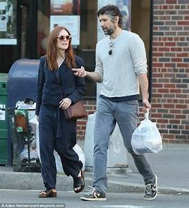 Make-up free Julianne Moore cuts a casual figure in NYC ...