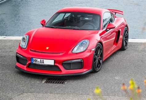Rent Porsche Cayman Gt4
