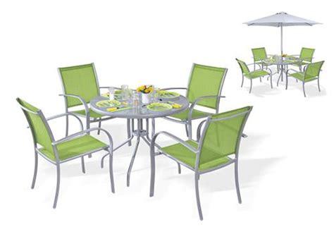 ensemble table et chaise de jardin pas cher table pour terrasse pas cher mc immo