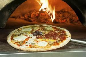 Four à pizza : modèles de four à pizza électrique gaz ou