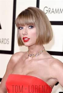 Grammys 2016: Taylor Swift in Atelier Versace | Tom + Lorenzo