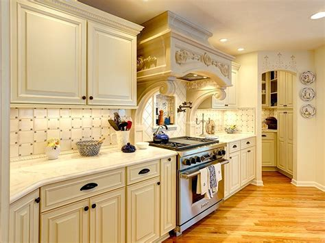white kitchen cabinets kitchen backsplash design ideas photos and descriptions 3656