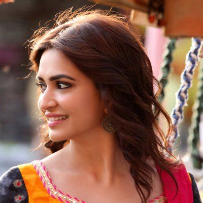 kriti kharbanda wallpapers bio age kriti kharbanda age biography husband name family