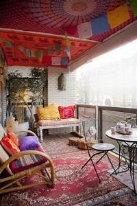 Balkongestaltung 50 fantastische beispiele archzinenet for Balkon teppich mit tapeten englischer stil