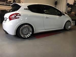Peugeot 208 Tuning : kampfzwerg peugeot 208 gti auf jrs wheels und st fahrwerk ~ Jslefanu.com Haus und Dekorationen