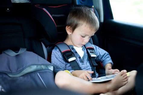 securite routiere siege auto ceinture de sécurité siège enfant ou bébé quelles sont