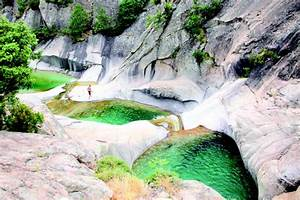 les cascades et les piscines de purcaraccia notrebellefrance With aiguilles de bavella piscine naturelle 9 piscine naturelle d eau chaude corse du sud