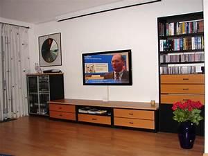 Fernseher Wandmontage Höhe : beamer oder fernseher oder beides ~ Frokenaadalensverden.com Haus und Dekorationen