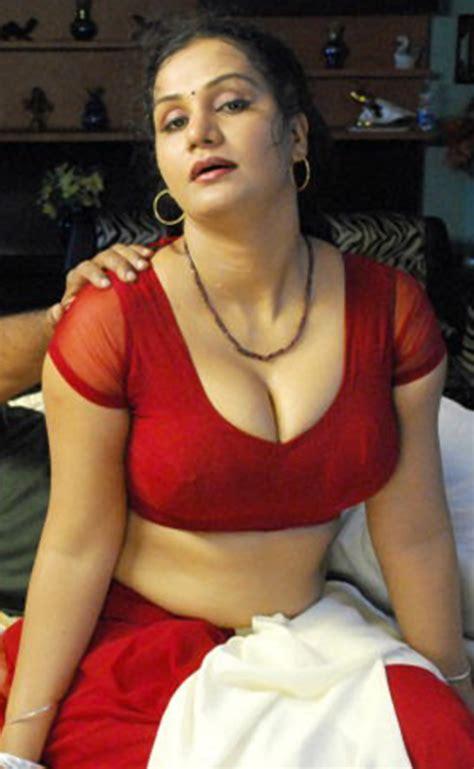 fashion style red saree