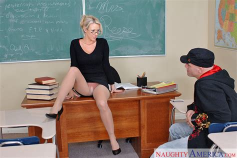 Carolyn Reese And Derrick Pierce In My First Sex Teacher Naughty America Hd Porn Videos
