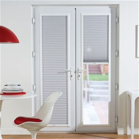 blinds preston   measure blinds  red rose blinds